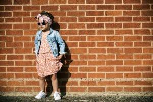 På udkig efter billigt børnetøj? Køb det til Black Friday!